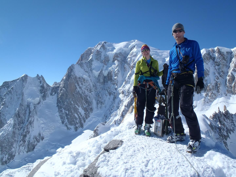 Le tour Ronde descente par la Brenva - Grand ski au pied du Mont Blanc