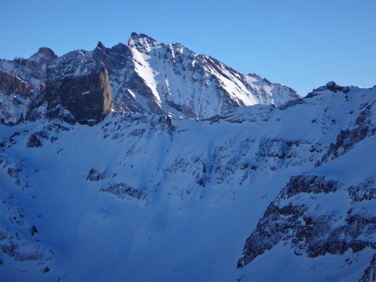 vue sur la Pierra Menta depuis le Mont Coin