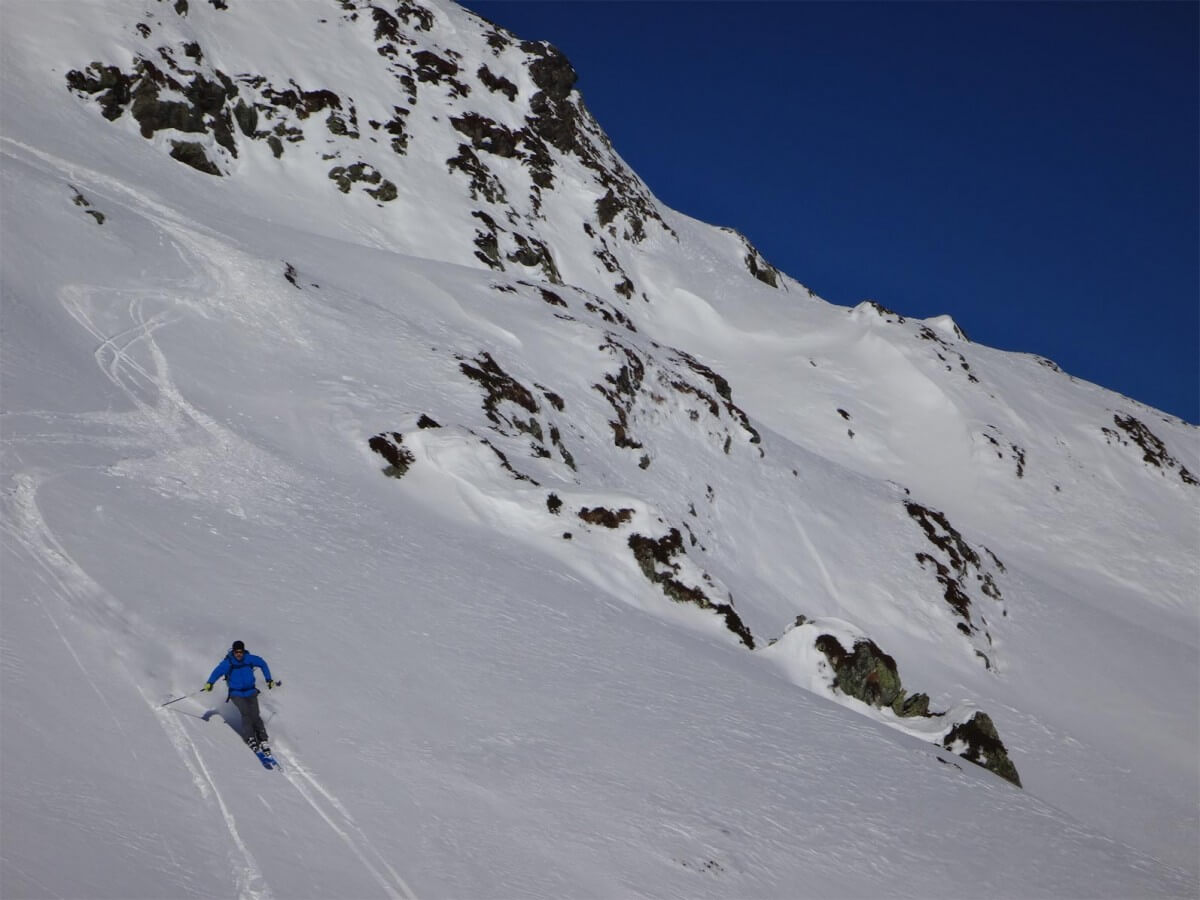 descente sur le col de la Louze depuis la station Arêche-Beaufort